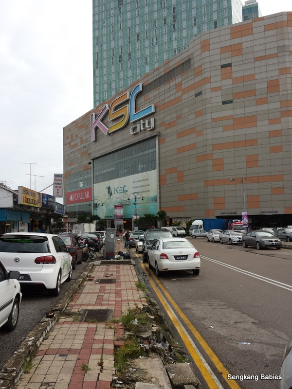 Food outlets opposite KSL city, good food near KSL