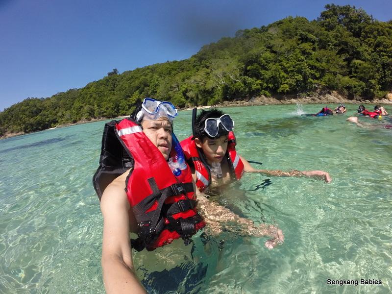 Snorkeling twin islands sabah