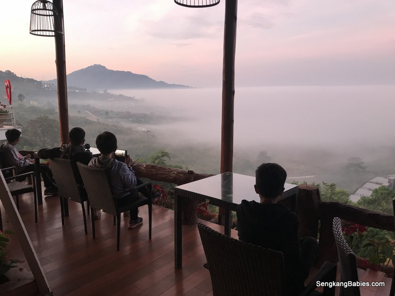 Khao Kho Sea Clouds and Tanrak Talaymok Resort