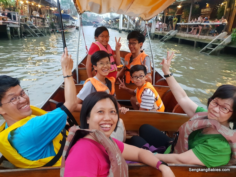 Bangkok Day Trip-Maeklong Railway Market and Amphawa Floating Market
