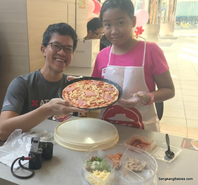 Pizza Hut workshop, diy your own cheesy 7