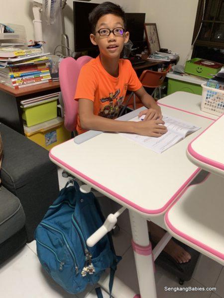 ErgoBloom, the best study desk for your kids